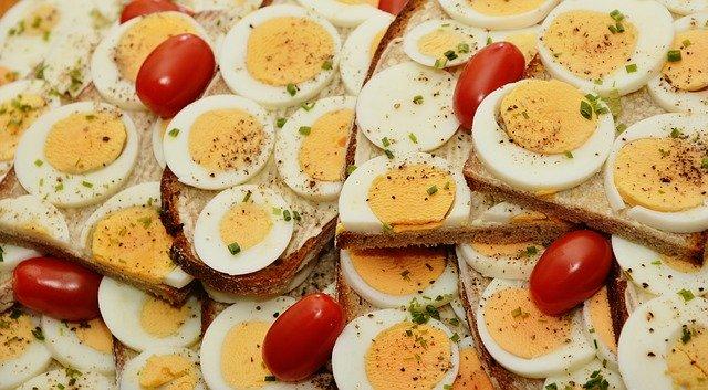 jajka na kanapce